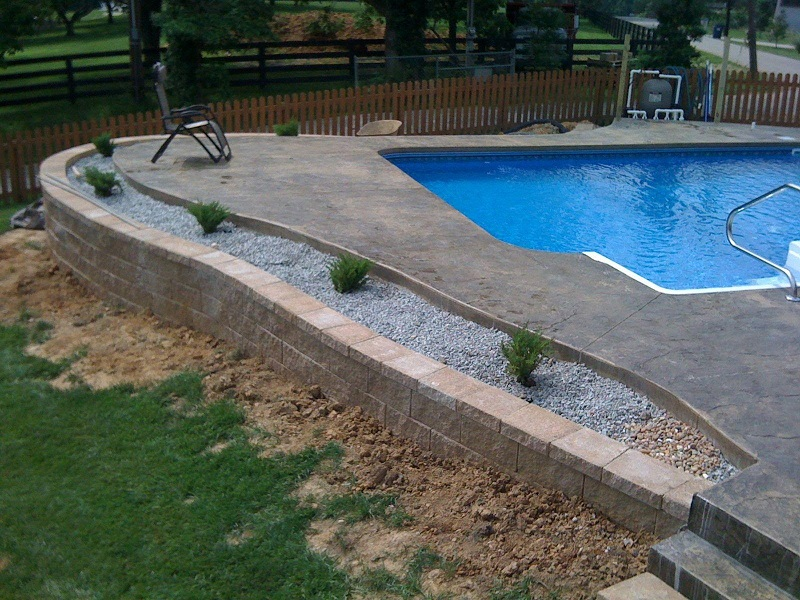 5 Tips On Building A Pool On A Sloped Backyard