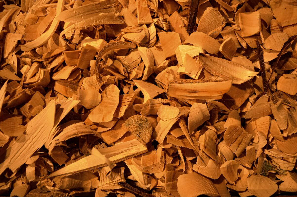 Hickory vs mesquite, which is the best wood for smoking?